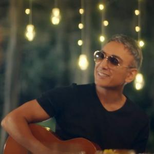 موزیک ویدئو: دست من نیست شادمهر عقیلی